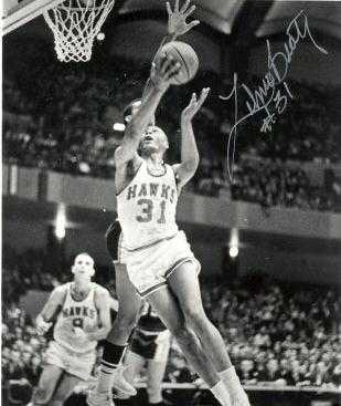 Zelmo Beaty autographed (St. Louis Hawks) 8x10 photo