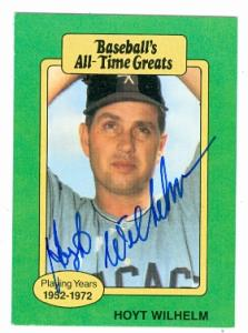 Hoyt Wilhelm Autographed Baseball Card Chicago White Sox