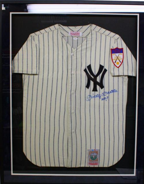 on sale cddf0 79f83 Mickey Mantle autographed Jersey (New York Yankees) Framed