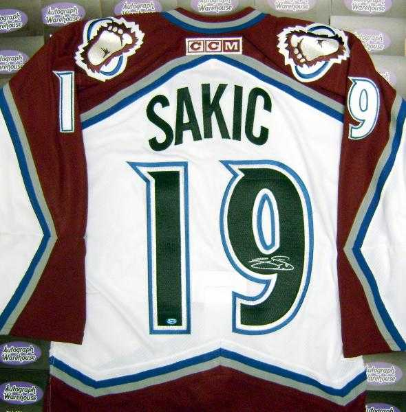 new arrivals b9aa5 38703 Joe Sakic autographed Jersey (Colorado Avalanche)