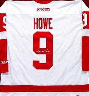 hot sale online 57d37 70ee4 Gordie Howe autographed (Detroit Red Wings) Jersey